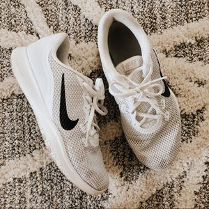 Nike Flex Trainer 7 White Athletic Sneakers
